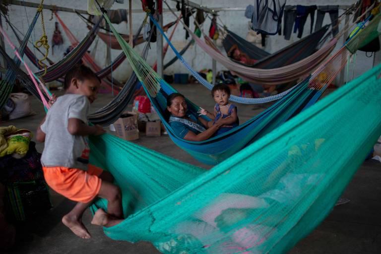 Em busca de trabalho, indígenas venezuelanos vão a garimpo no Pará