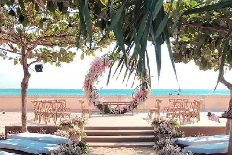 Altar da cerimônia de casamento de Kleber Toledo e Camila Queiroz