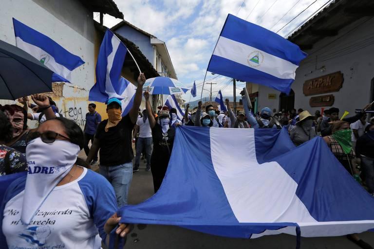 Manifestação em Granada, na Nicarágua, no sábado (25), para onde ia Emilia Mello antes de ser detida