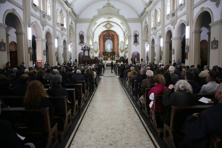Cerimônia inter-religiosa em homenagem a Otavio Frias Filho, nesta segunda-feira (27), na Matriz Paroquial Nossa Senhora do Rosário de Fátima, em SP