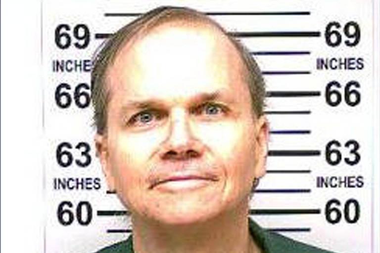 Mark David Chapman, responsável pela morte de John Lennon em 1980, posa para foto em janeiro de 2018. Imagem foi divulgada pelo Departamento de Correções e Supervisão Comunitária do Estado de Nova York em Albany