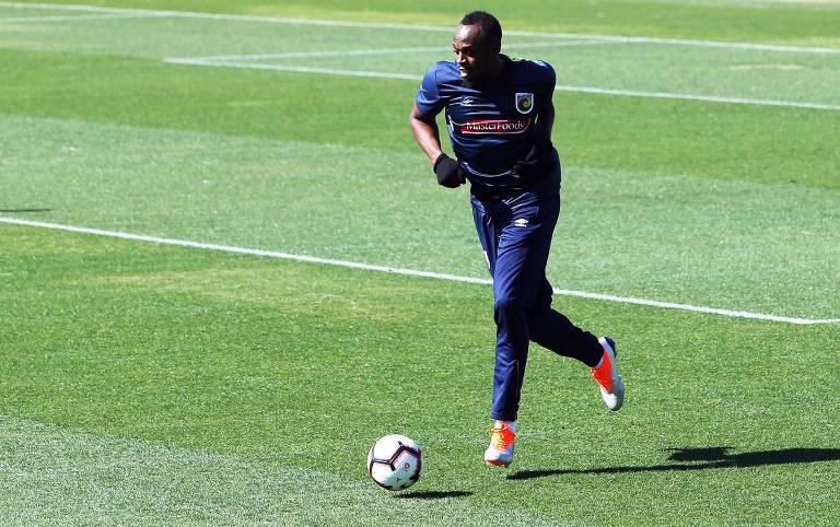 O jamaicano Usain Bolt durante treino do Central Coast Mariners, clube pelo qual fará sua estreia em amistoso na próxima sexta (31)