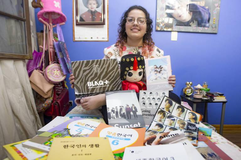 Estudante de moda Carolina de Siqueira Silveira, 22 anos, decidiu estudar coreano para tentar um mestrado na Coreia do Sul; ela é fã de k-pop e novelas