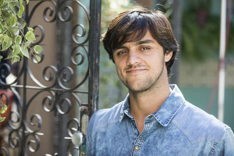Elmo (Felipe Simas)