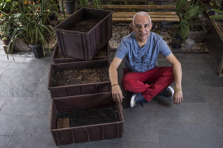 Compostagem caseira transforma lixo em adubo e cria novos hábitos alimentares