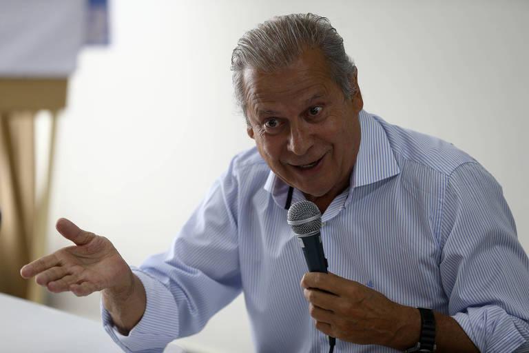 O ex-ministro do governo Lula José Dirceu durante entrevista para falar sobre o livro