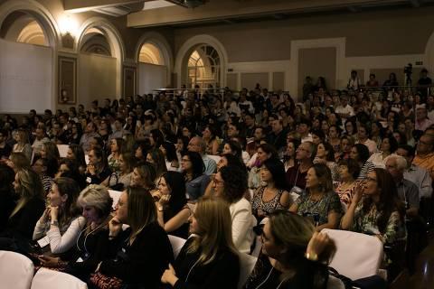 Congresso Sorriso do Bem, evento que reúne cerca de 400 dentistas voluntários e é realizado pela Turma Bem, passa a fazer parte da programação do FIIS