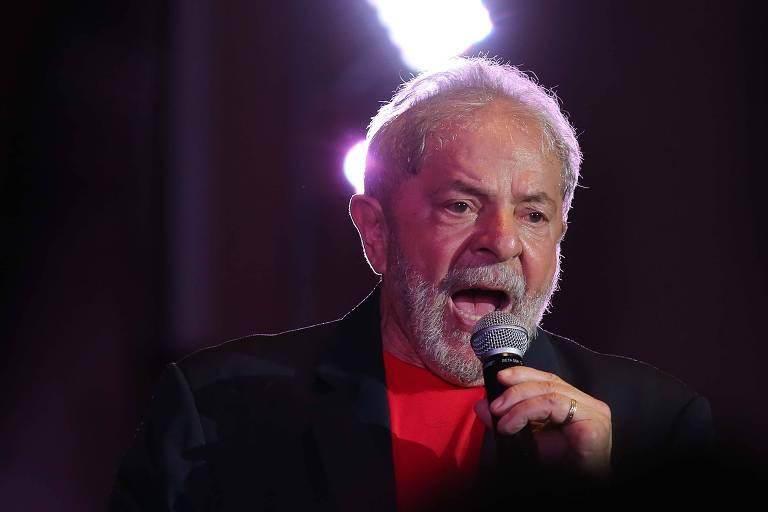 O ex-presidente Lula durante encontro com apoiadores na Casa de Portugal, em São Paulo