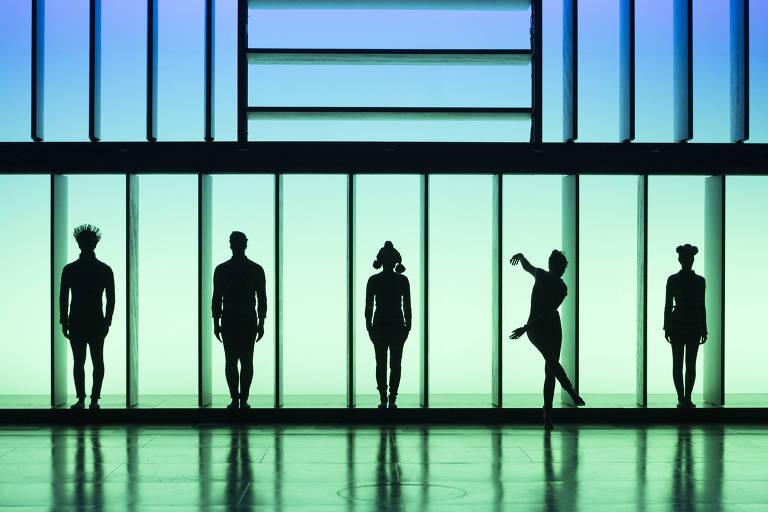 """A companhia francesa DCA Philippe Decouflé no espetáculo """"Nouvelles Pièces Courtes"""", que se apresenta na temporada de dança 2018 do Teatro Alfa, em São Paulo"""
