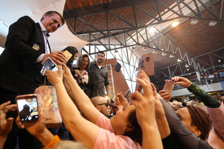 Candidato à Presidência, Jair Bolsonaro promove evento com mulheres em Porto alegre