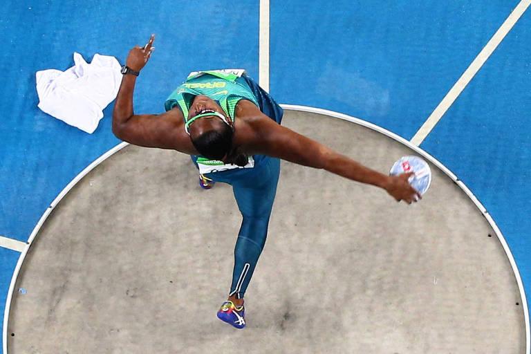Andressa de Morais durante a prova de lançamento de disco na Olimpíada do Rio, em 2016