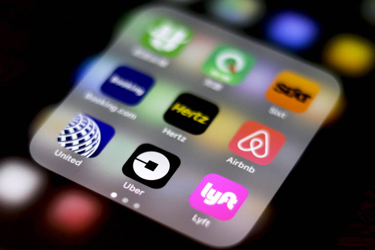 Tela de celular mostra principais aplicativos de corrida