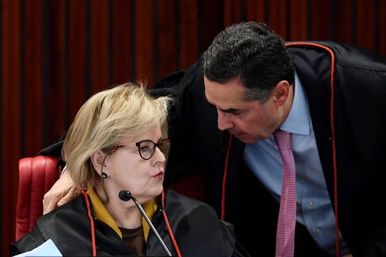 Ministro Luis Roberto Barroso e ministra Rosa Weber durante julgamento de elegibilidade do ex-presidente Lula, no TSE