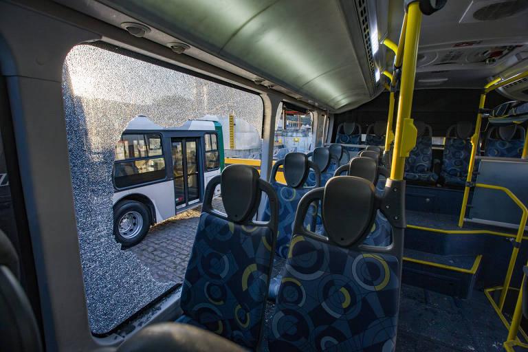 Depredação de ônibus em SP