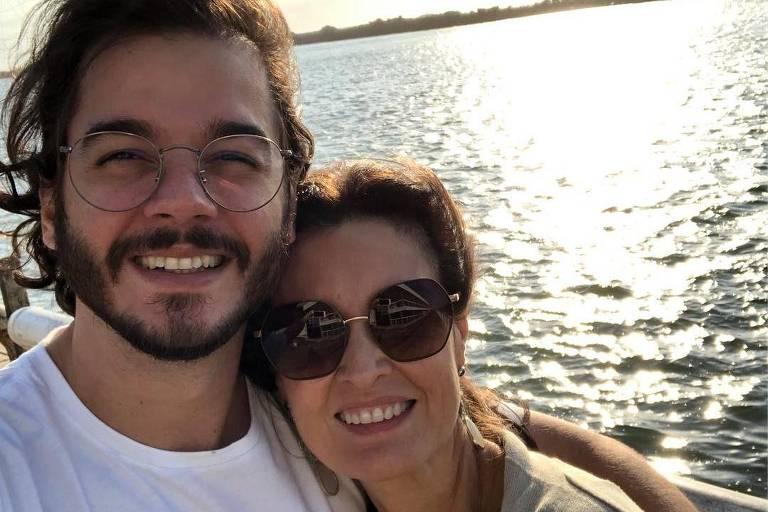 A apresentadora Fátima Bernardes ao lado do namorado, Túlio Gadêlha, que é candidato a deputado federal por Pernambuco