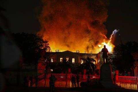 Rio de Janeiro (RJ), 02/09/2018, Museu Nacional / Incêndio - Incêndio no Museu Nacional, localizado na Quinta da Boa Vista, zona norte do Rio de Janeiro, na noite de domingo (02). Foto: Uanderson Fernandes/ Agência O Globo