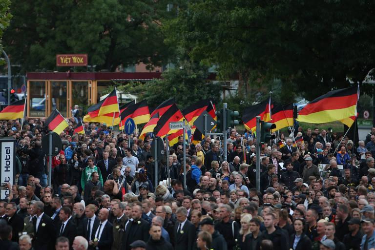 Manifestação da extrema direita reuniu cerca de 8 mil pessoas em Chemnitz, na Alemanha, no dia 1 de setembro de 2018