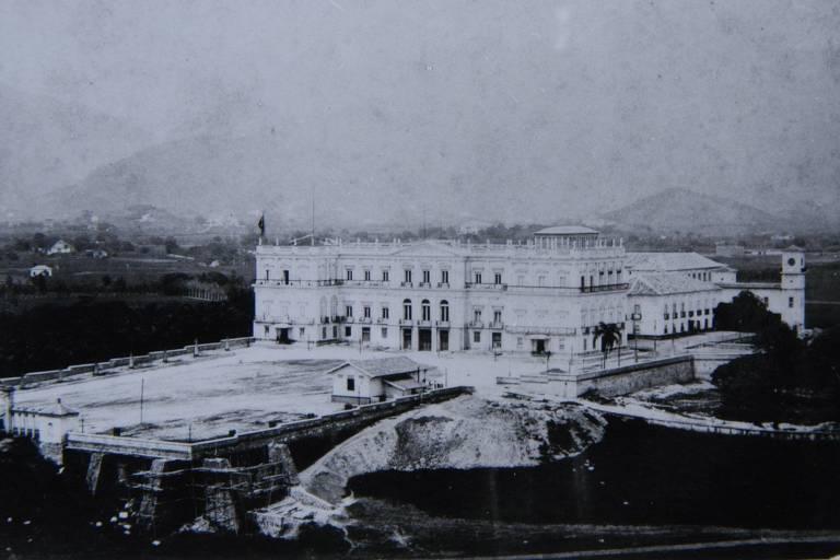 Foto do século 19 do Palácio de São Cristovão, no Rio de Janeiro