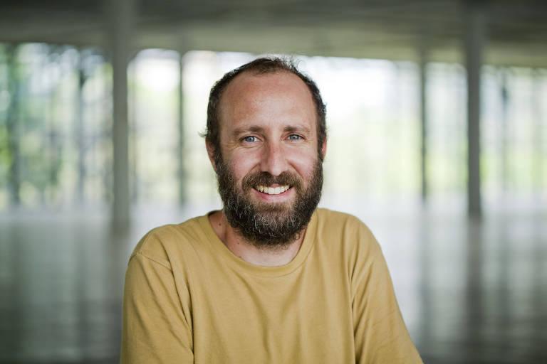 O curador Antonio Ballester Moreno