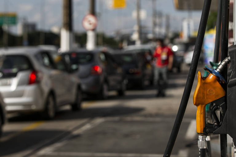 Posto de gasolina na marginal Tietê, em São Paulo