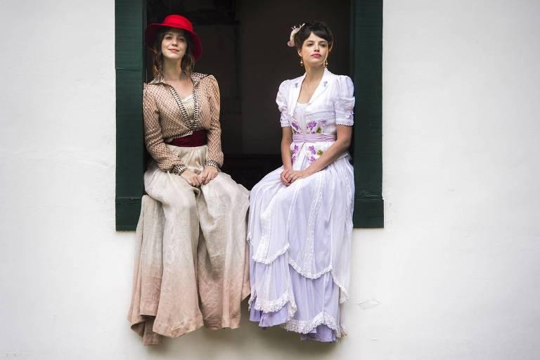 Elisabeta e Ema descobrem que estão grávidas