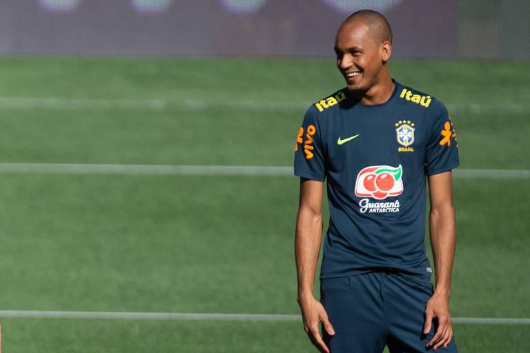 Tite esboça titulares com Fabinho e dez jogadores remanescentes da ... 69c5102f89c6c