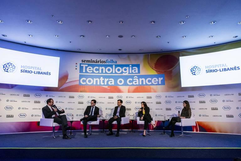 Paulo Holf, diretor geral do Instituto do Câncer de São Paulo Octavio Frias de Oliveira (Icesp); Pedro Meneleu, superintendente geral do Instituto do Câncer do Ceará (ICC); Francisco Sapori, especialista de saúde da Microsoft; e Mariana Perroni, coordenadora médica da IBM