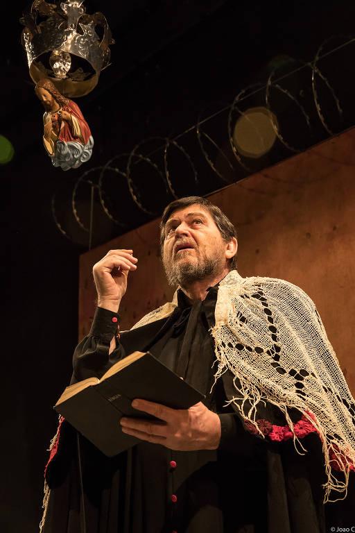 Celso Frateschi em 'O Grande Inquisidor', no Ágora