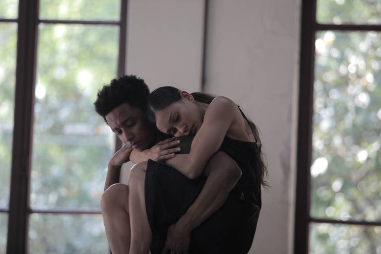 Villa-Lobos e Bethânia inspiram coreografia de francesa sobre viagem