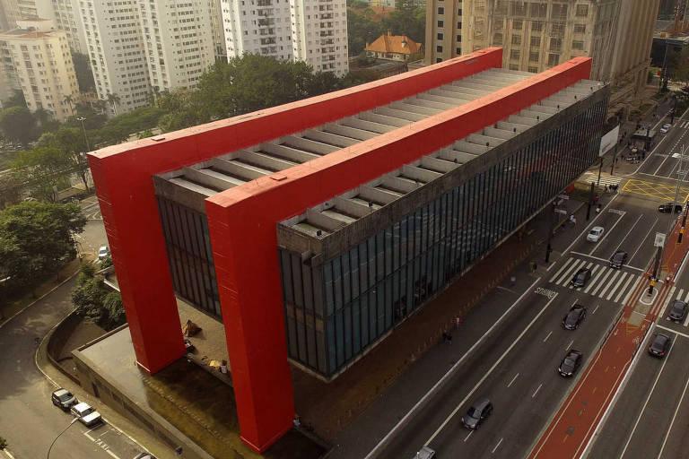 Centros culturais sem aval dos bombeiros
