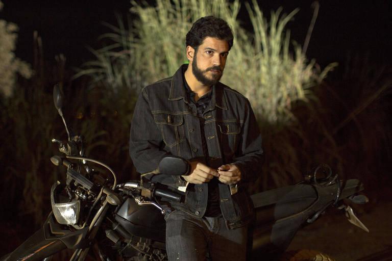 Marco Pigossi, que deixou a Globo e estará em um seriado da Netflix