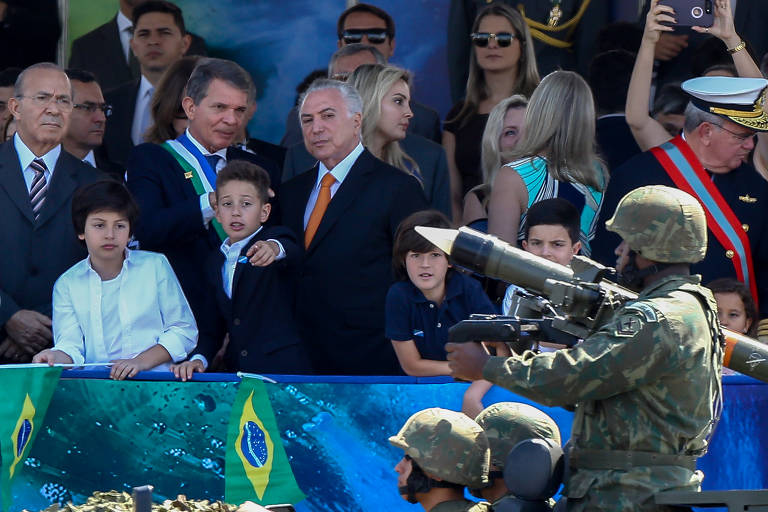 O presidente Michel Temer, acompanhado da primeira-dama, Marcela Temer, e do filho do casal, Michelzinho
