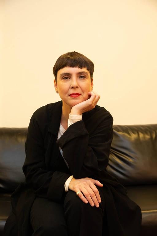 """Show """"A Mulher do Pau Brasil"""", de Adriana Calcanhotto"""