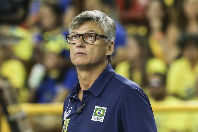 Renan Dal Zotto, técnico da seleção brasileira, destaca o equilíbrio entre as principais forças do vôlei