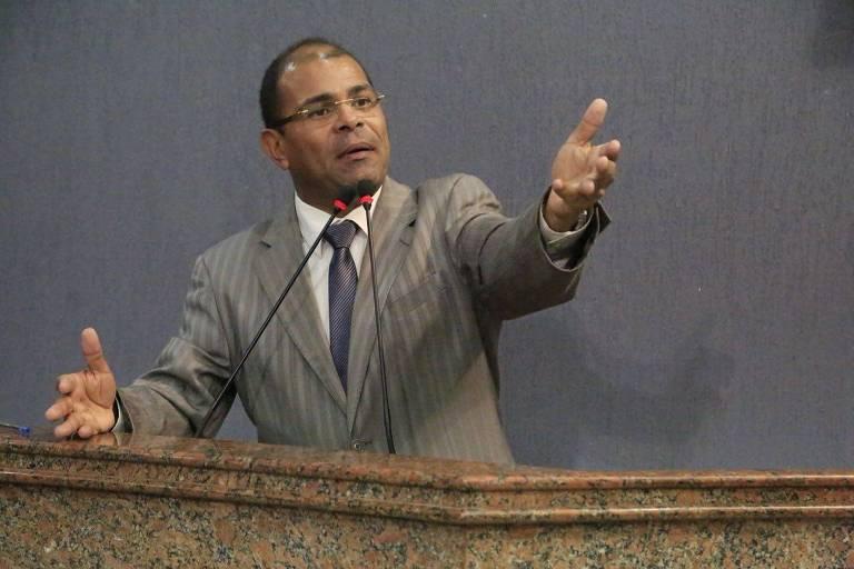 O vereador Silvânio Barbosa (MDB) durante sessão na Câmara Municipal de Maceió