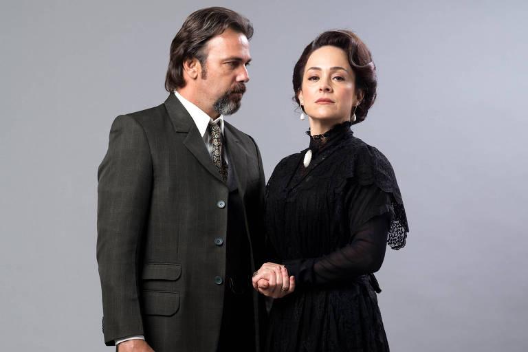 """Gabriela Duarte caracterizada como Julieta para """"Orgulho e Paixão"""", ao lado de Marcelo Faria"""
