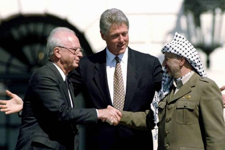 Há 25 anos, gravata de Clinton marcou assinatura de acordo israelo-palestino
