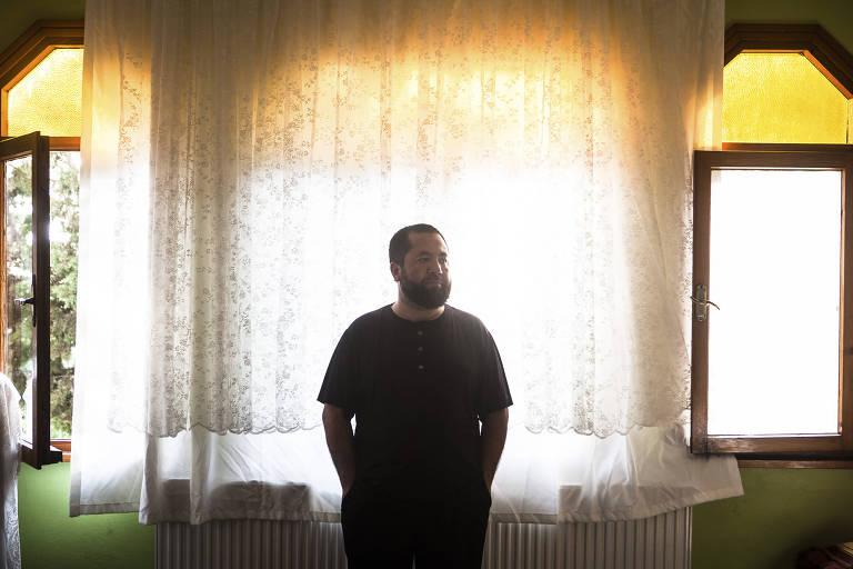 Abdusalam Muhemet, da etnia uigur, tinha um restaurante em Hotan, mas decidiu deixar o país e hoje vive em Istambul, na Turquia