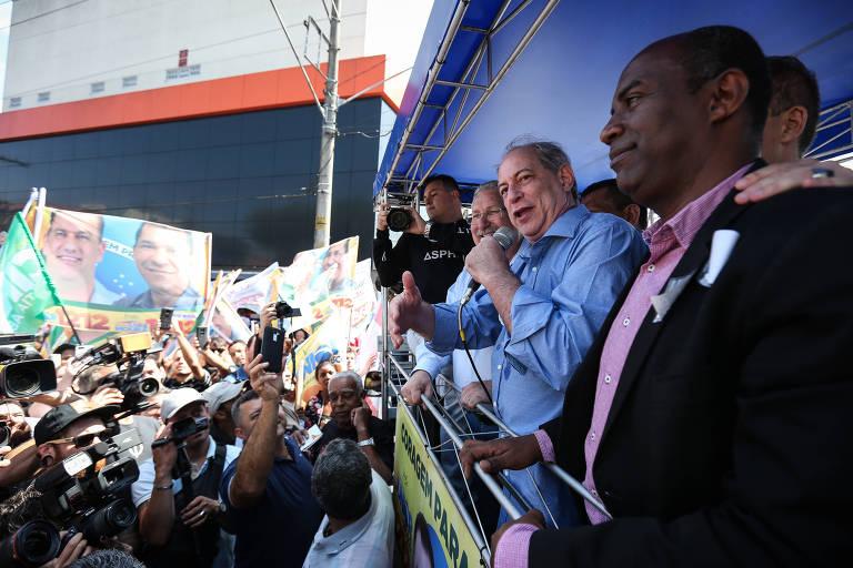 Ciro Gomes faz campanha no centro da cidade de Mauá, em São Paulo