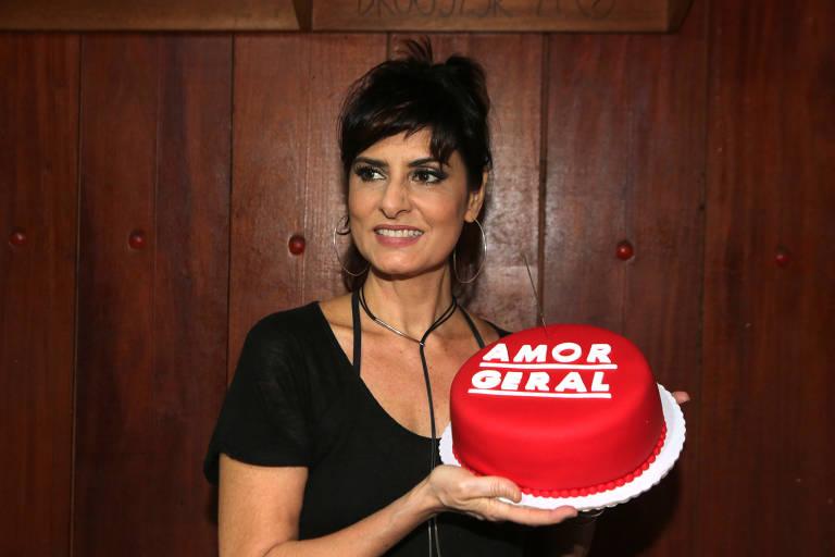 Fernanda Abreu comemora aniversário com o show