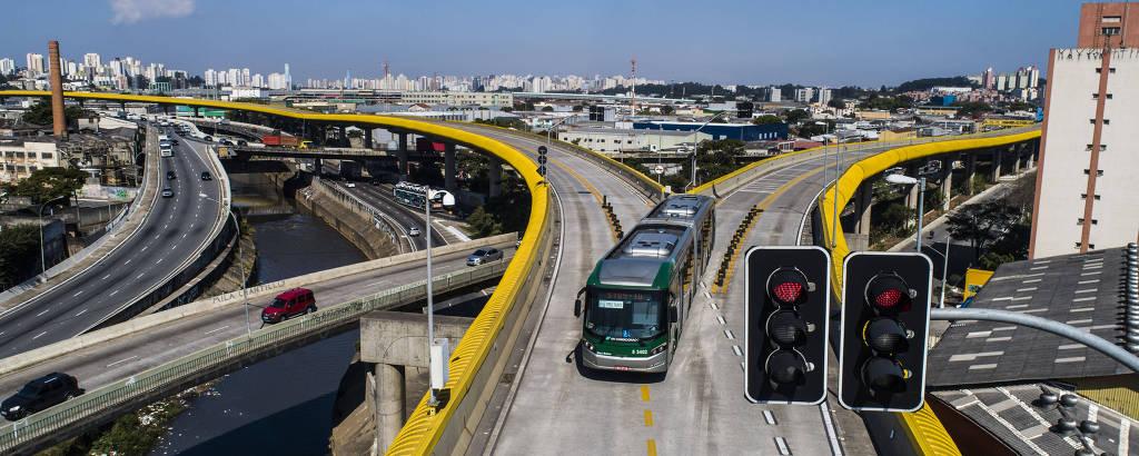 O corredor de ônibus Expresso Tiradentes, antes chamado de Fura-Fila