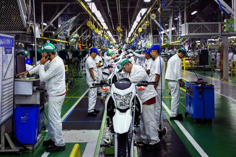 Linha de montagem da fábrica da Honda, a maior da Zona Franca