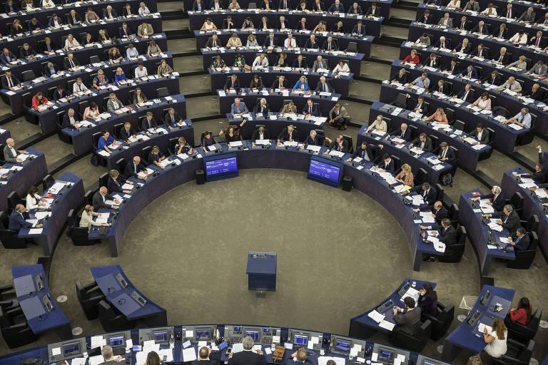 Deputados europeus durante a votação da moção de censura contra o governo húngaro