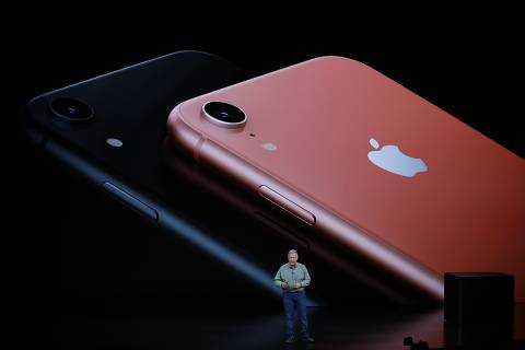 Philip W. Schiller, Senior Vice President, Worldwide Marketing of Apple, speaks about the new Apple iPhone XR at an Apple Inc product launch event at the Steve Jobs Theater in Cupertino, California, U.S., September 12, 2018. REUTERS/Stephen Lam ORG XMIT: TOR250