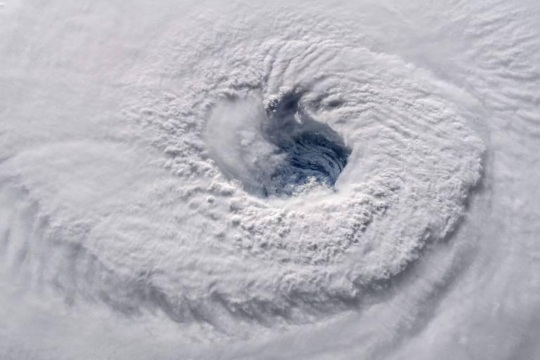 O furacão Florence visto da Estação Espacial Internacional nesta quarta-feira (12)