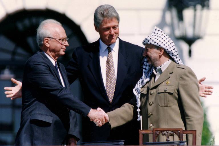 Não podemos jogar os Acordos de Oslo pela janela, afirma negociador