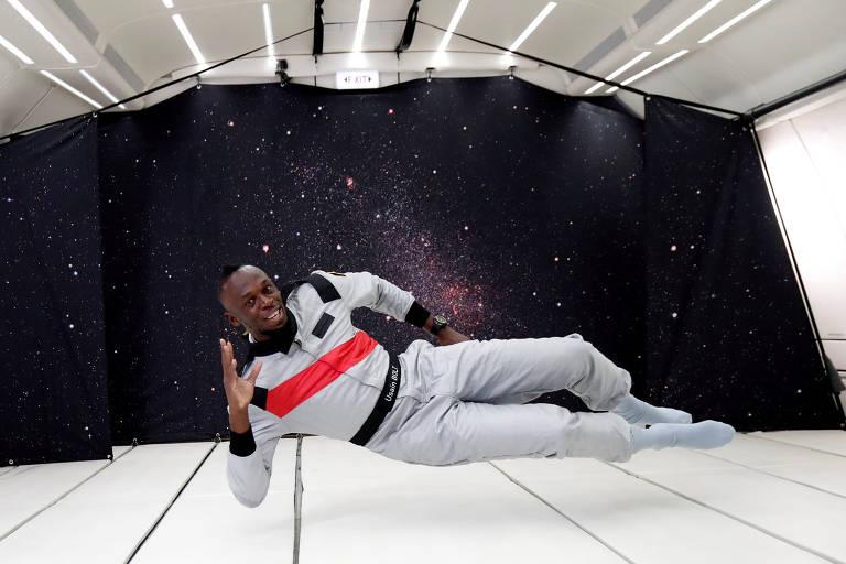 Usain Bolt em condições de gravidade zero durante ação comercial na França
