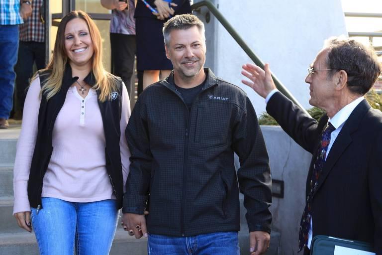 Horner teve a condenação revogada e comemorou com a esposa, Kelli