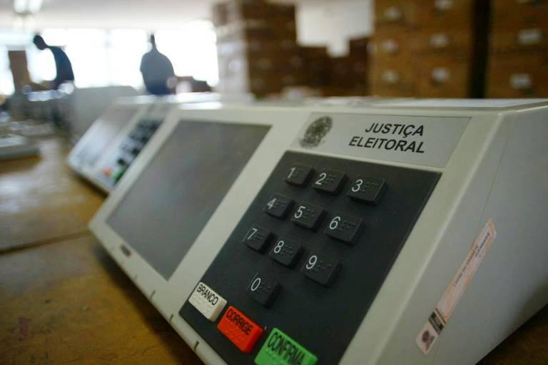 Urnas eletrônicas no cartório da Primeira Zona Eleitoral (centro) de São Paulo