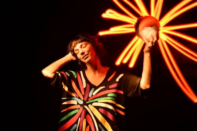 A cantora, compositora e produtora musical Bárbara Eugênia